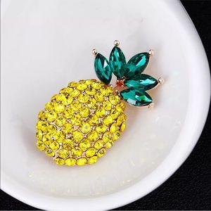 Jewelry - ✨🍍Pineapple Brooch🍍✨